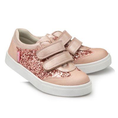 Кроссовки для девочек 900